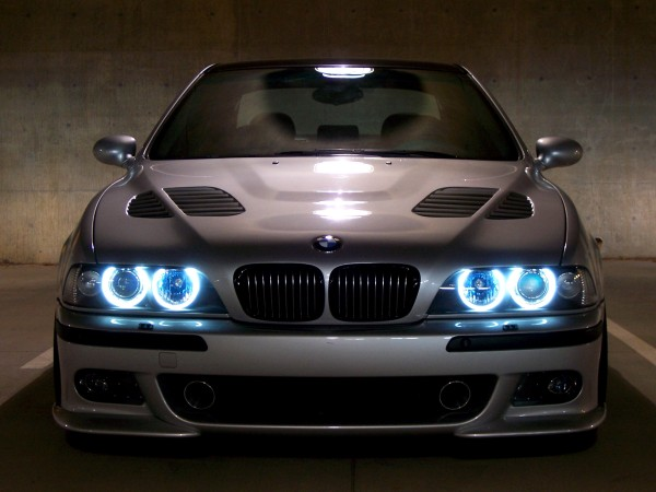 BMW e39 angel eyes